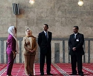 President Barack Obama and Secretary of State Hillary Clinton visit the Sultan Hassan mosque in Cairo, June 4, 2009. (Getty)